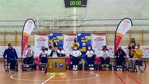 Cataluña celebra su truinfo en el campeonato por CC.AA de Hockey en silla eléctrica