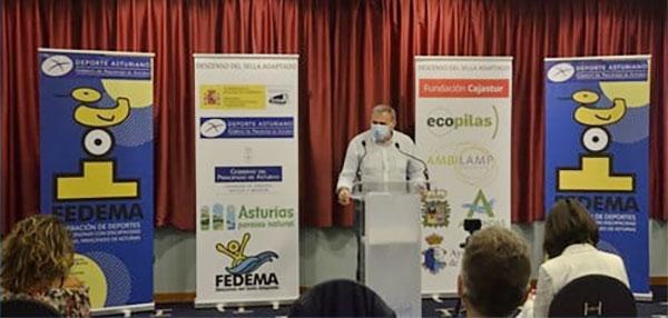 El alcalde de Ribadesella en la presentación del Sella adaptado